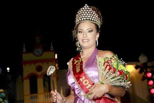 190af48555 Durante la Gala de Elección de la Reina